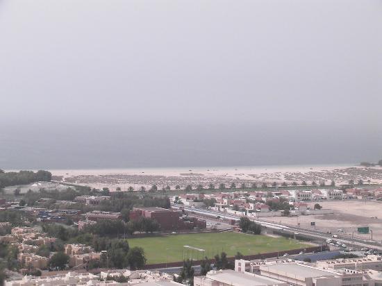 Gloria Hotel: Blick vom Hotel zum Strand