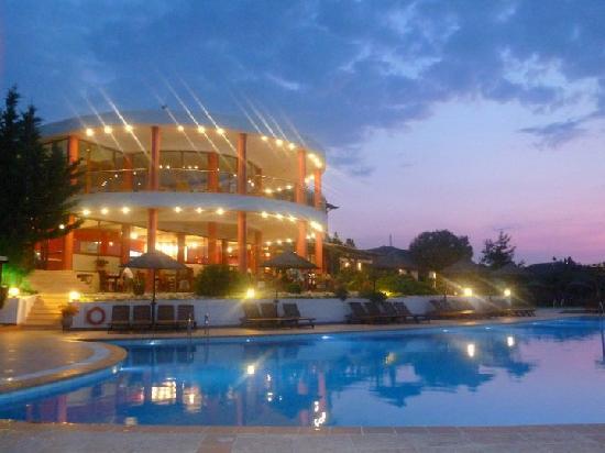 Alia Palace Hotel: the hotel