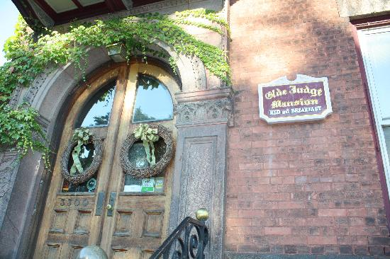 front door of Olde Judge Mansion