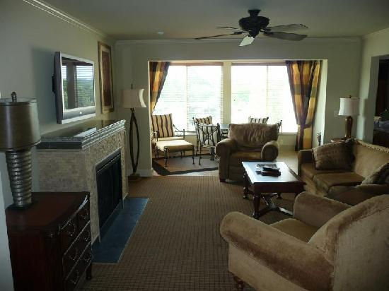 Suites at Fall Creek: Living Room and Sun Room