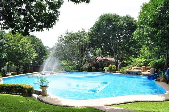 Pacific Waves Resort: Adult Pool