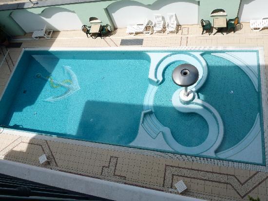 Ancora Hotel & Residence: La superbe piscine