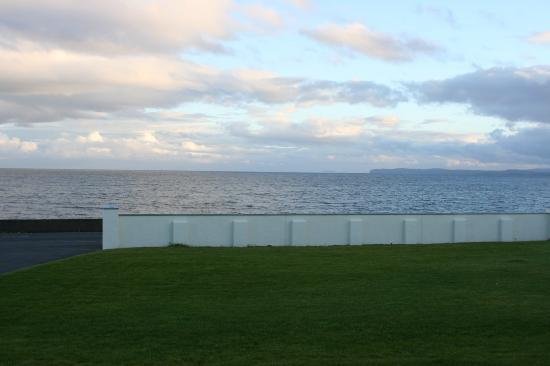 Braighe House: The view out to sea, from the large car park