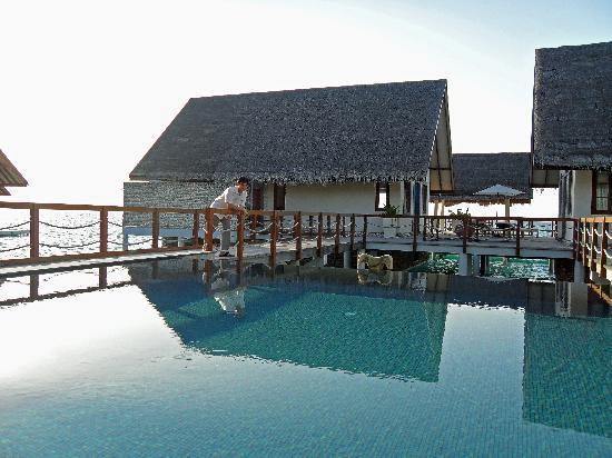 Four Seasons Resort Maldives at Landaa Giraavaru: Beach & Ocean Villa