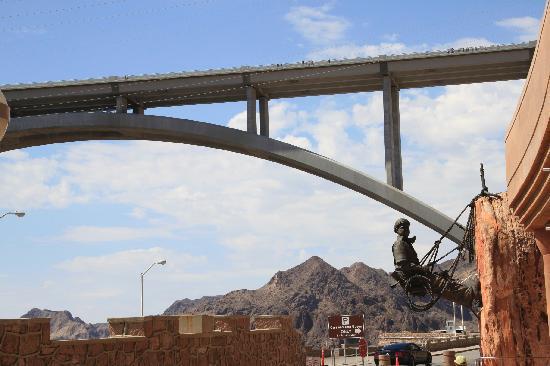 Pink Jeep Tours Las Vegas: The new bridge
