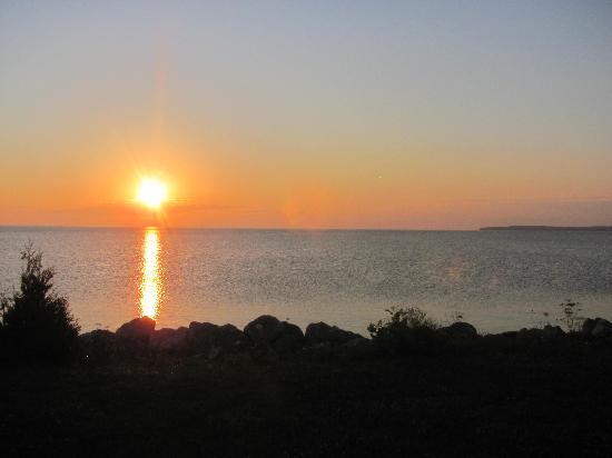 Bay View Motel: Spectacularl sunrise
