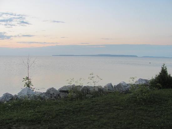 Bay View Motel: Bay View southeast view
