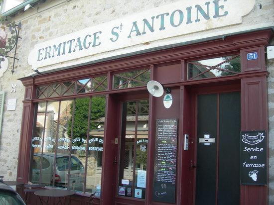 L'Ermitage Saint Antoine : devanture du restaurant