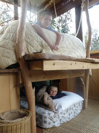 Treehouse Skye: The main bed with hidden bed below.