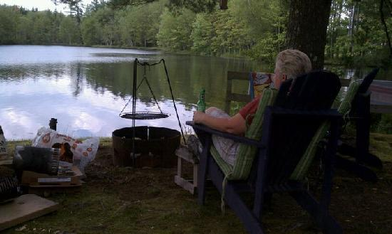 listening to the game by the fire - Picture of Beaver Dam Campground