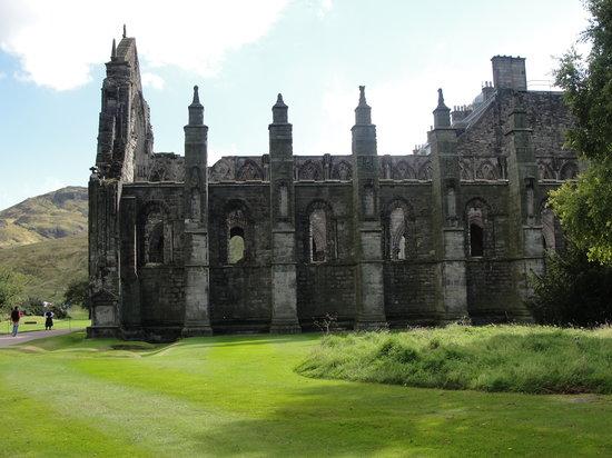 Holyrood Abbey: The Abbey