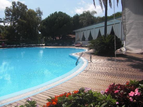 Villaggio Oasis: una delle piscine interne