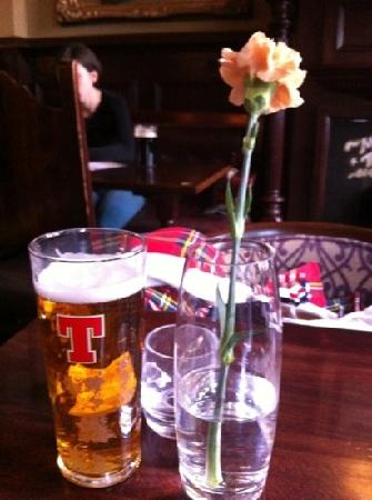 The Castle Arms: lovely beer