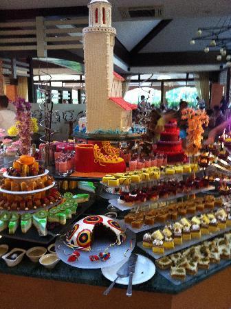 Grand Hotel Artside: Cake, anyone?