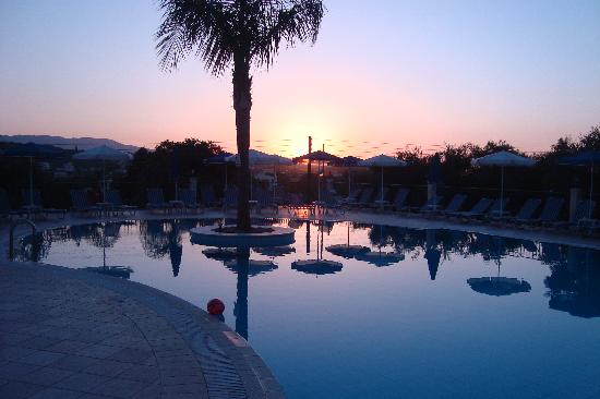 Zante Star: sunset at pool