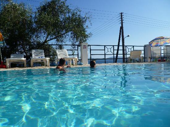 Nissaki Sea View Hotel Apartments: beautiful pool