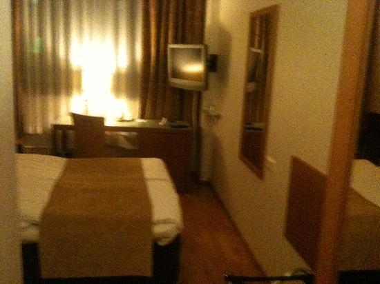 Holiday Inn Helsinki-Vantaa Airport: room
