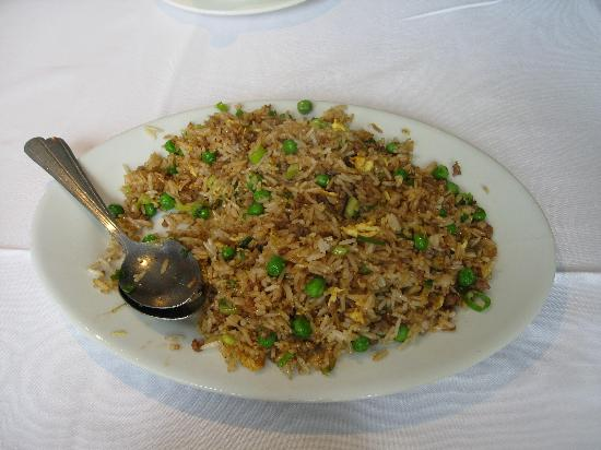 Shanghai Chinese Bistro: 生炒牛肉飯(牛ひき肉とレタスの焼き飯)