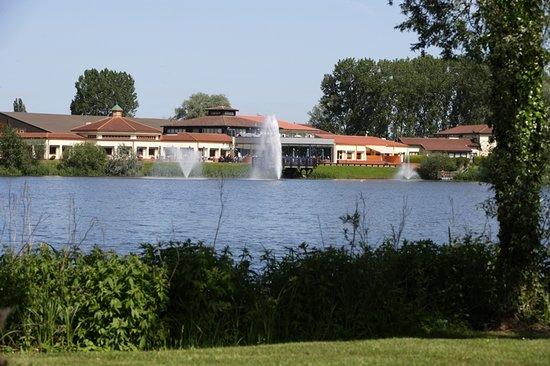 위보스톤 레이크스 호텔