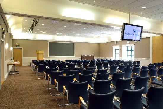 The Waterfront Hotel, Spa & Golf: Conference Room