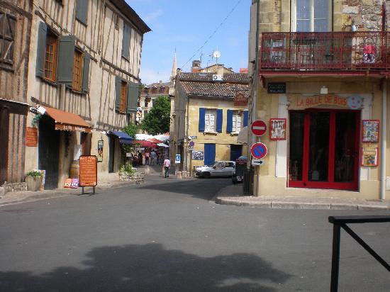 Hotel de Bordeaux: Bergerac street view
