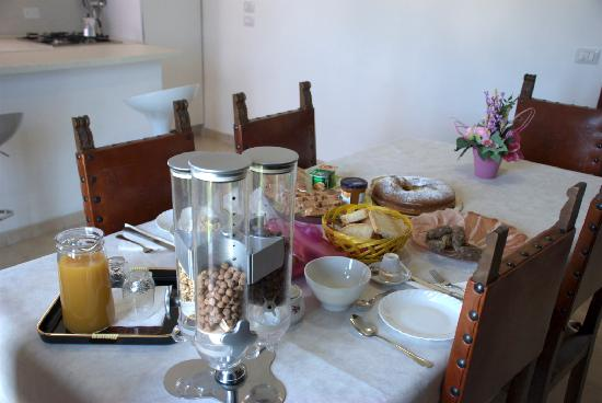 Casa Losea: Colazione Nella Sala Soggiorno