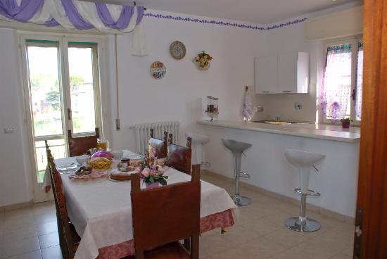 Casa Losea: Sala Soggiorno Con Angolo Cottura