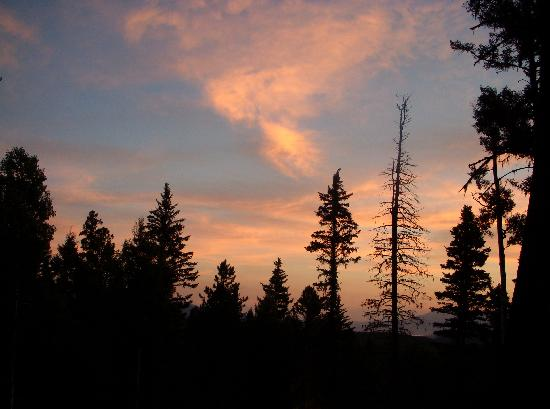 Angel Fire, Нью-Мексико: One of many beautful sunsets seen from the porch