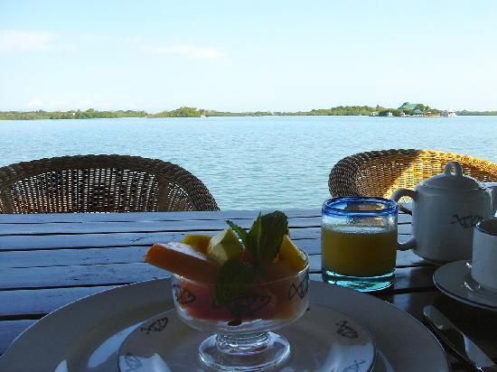 Agua Bed & Breakfast - Baru Island: Breakfast!