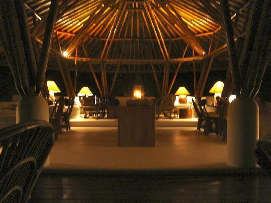Agua Bed & Breakfast - Baru Island: Common dinning area