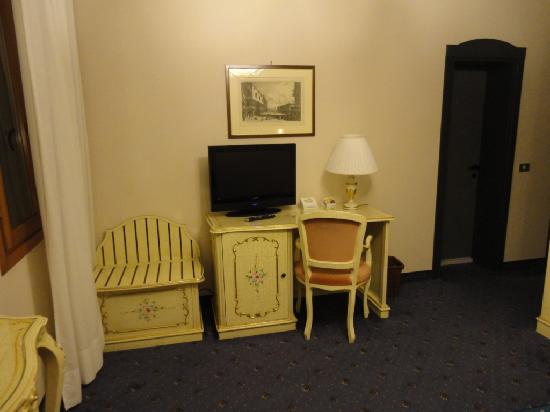 Hotel Diana: Plenty of room with period furniture