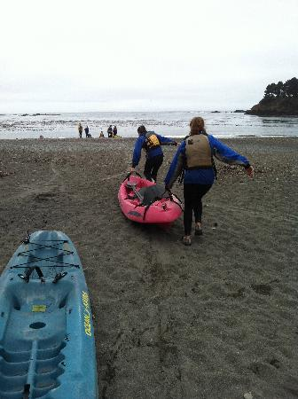 Kayak Mendocino: Getting the boat in the water