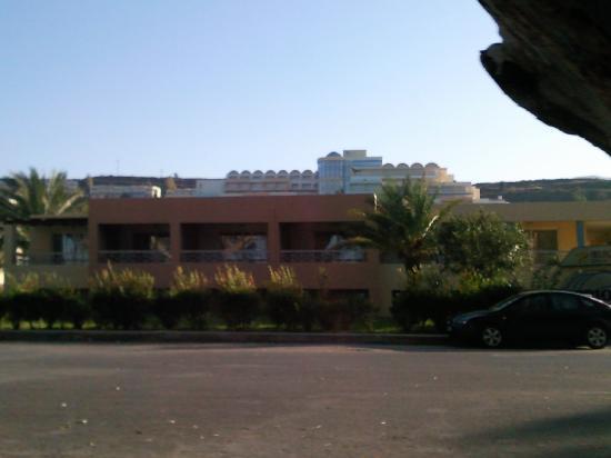 Hotel Kos Bay : a lo lejos