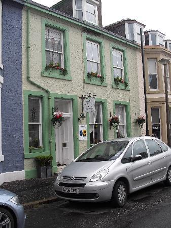 Daviot House: Street View - Very Nice B&B