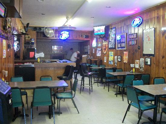 Mad Dog's Sportsmans Bar: Other room; they have a band in the back, weekends