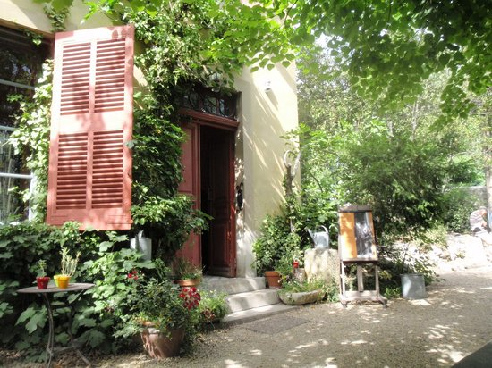 Aix-en-Provence, France : The Studio