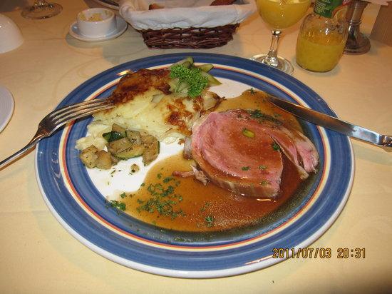 Hotel Restaurant Hirschen: 一皿29スイスフラン