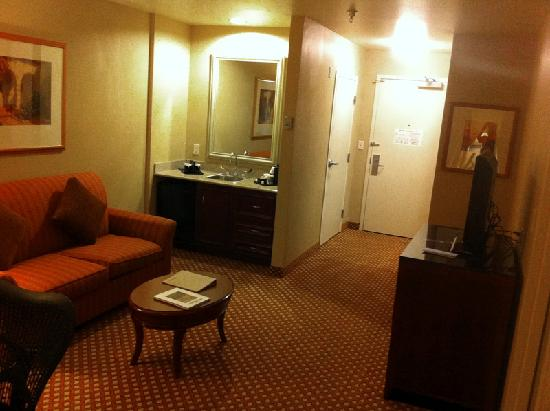 Hilton Garden Inn Albuquerque Uptown: Well optioned and spacious suite