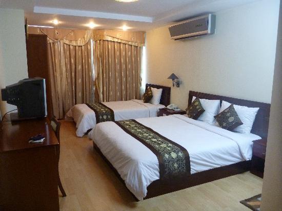 Pacific Hotel: ベッド