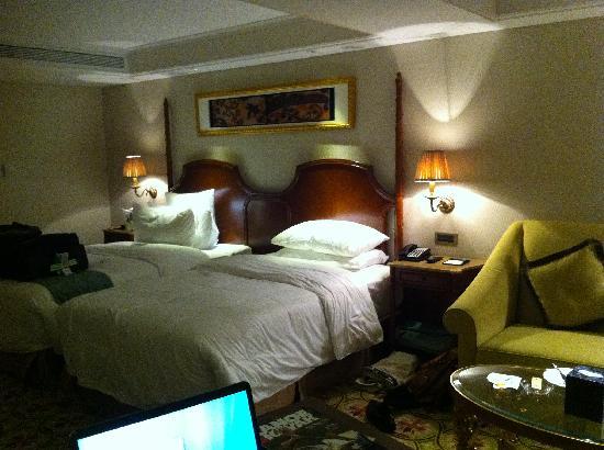 Pearl Hotel Starlake: Bed Area