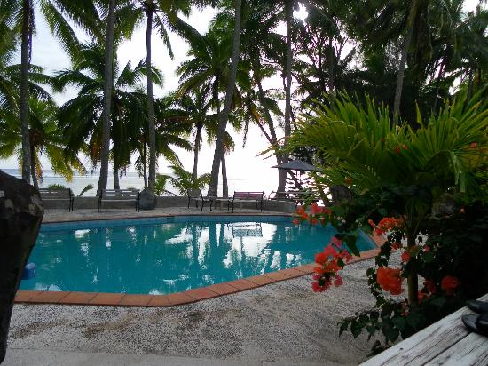 Sunhaven Beach Bungalows: The view from the deck of our unit.
