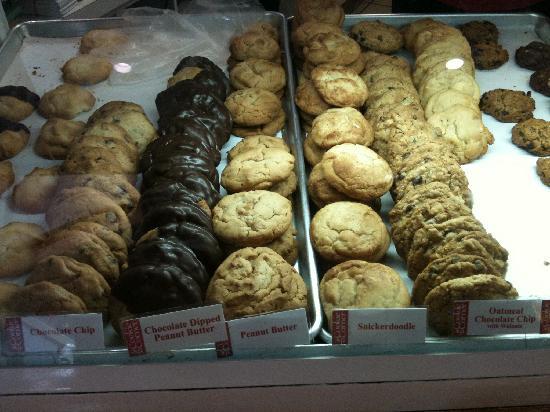 Cookie Corner: ショーケースに並べれているクッキー