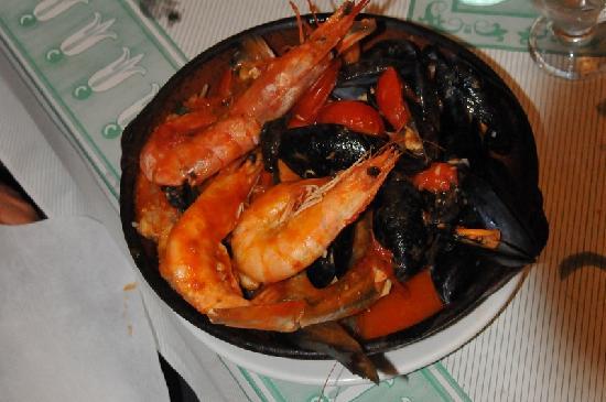 Ristorante Pizzeria Piccolo Paradiso da Mario's: ...la splendida zuppa di pesce...