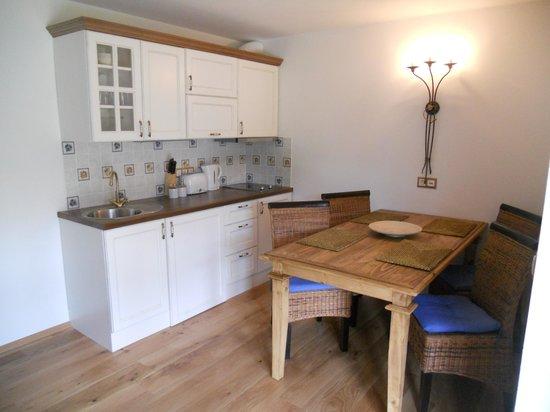 Cottage and Chalet Pr Klemuc: KITCHEN Cottage