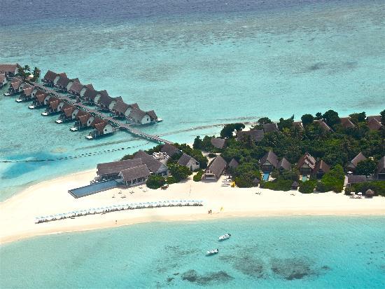 Four Seasons Resort Maldives at Landaa Giraavaru: Flying past Blu on arrival