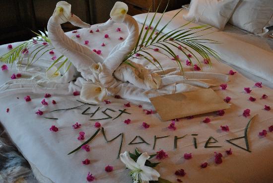 LUX* Belle Mare : Surprise Wedding Decoration