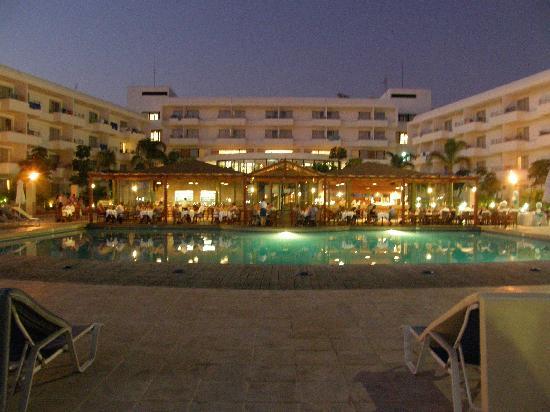 Louis Ledra Beach: Gala dinner poolside at the Ledra Beach