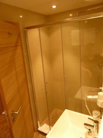 Hotel Piz St. Moritz: Bathroom 1