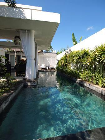 Anantara Vacation Club Bali Seminyak: The poolside