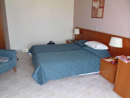 Atlantica Porto Bello Beach : Family Room3